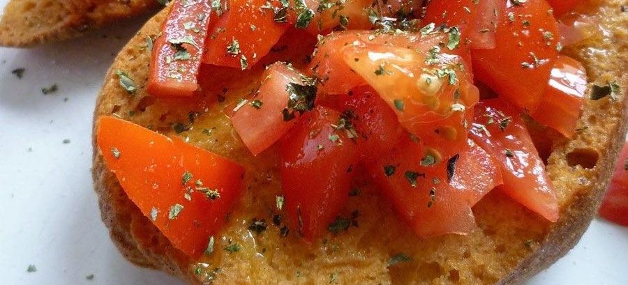 Friselle pugliesi, sane e leggere, testimoni perfette della dieta mediterranea